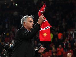 Jose Mourinho applauds Manchester United fans