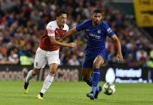 Mesut Ozil of Arsenal and Ruben Loftus Cheek of Chelsea