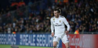 Gareth Bale of Real Madrid CF controls the ball during the La Liga match between Getafe CF and Real Madrid